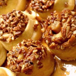 Maple Sour Cream Schnecken